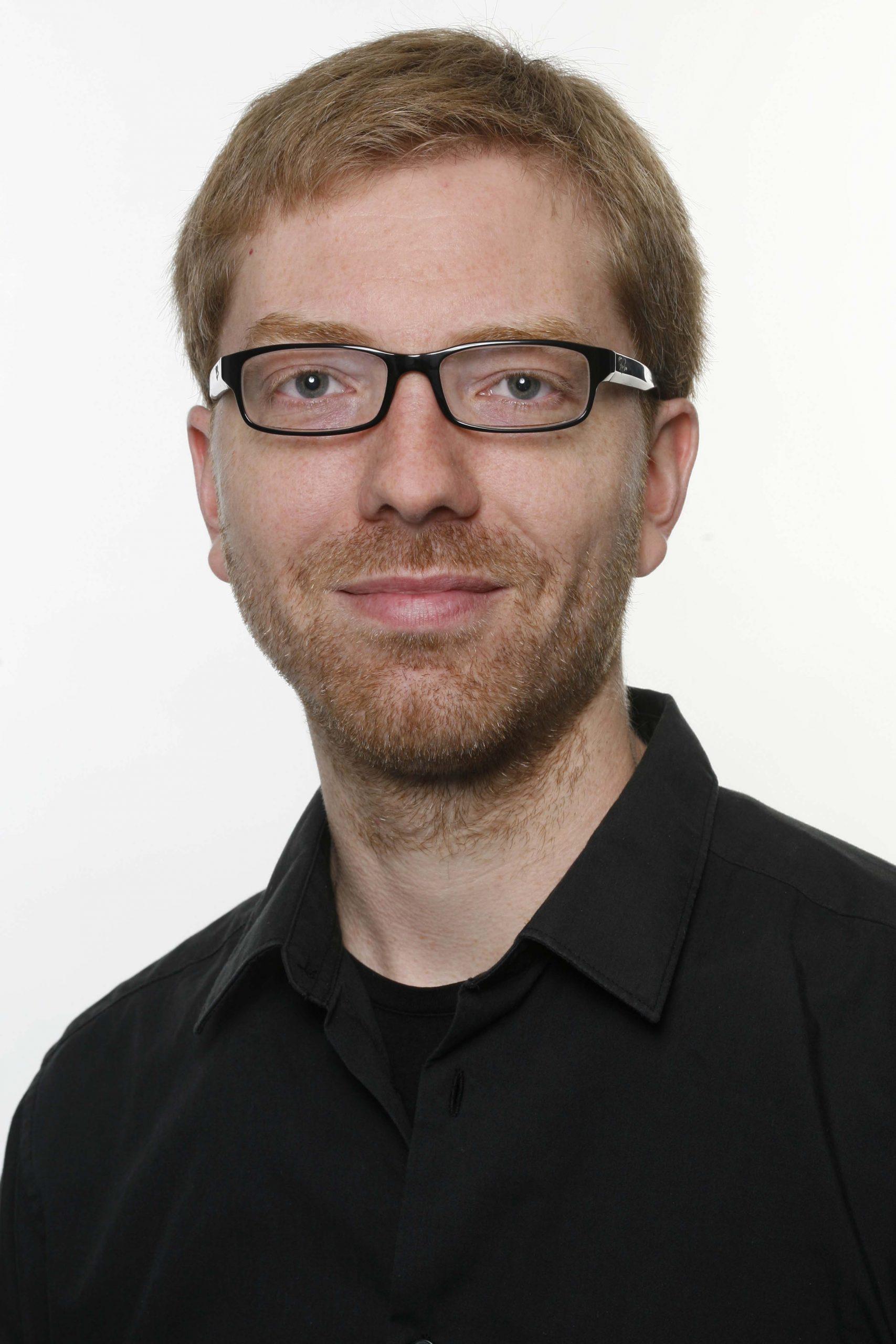 Dr. Thorsten Lunau